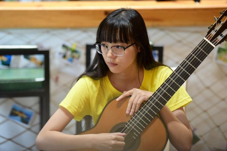 Patterson begins 41st year directing Bolton Guitar Studies